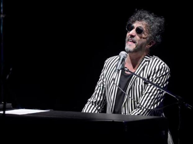 Fito en Rosario: Canciones sin tiempo que invitan a la emoción desde lo inexplicable