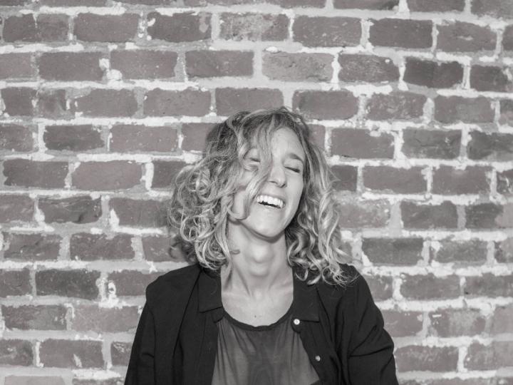 Belén Pasqualini: «Necesito cantar y contar la música que tengo adentro»