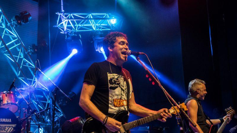 Un verano a puro punk rock: Attaque 77 en el Teatro Flores