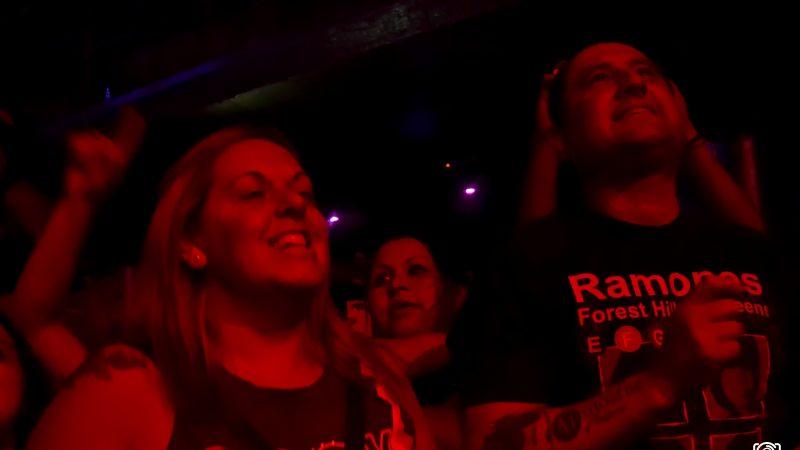 Fiesta clandestina: Cadena Perpetua y Bulldog en Groove